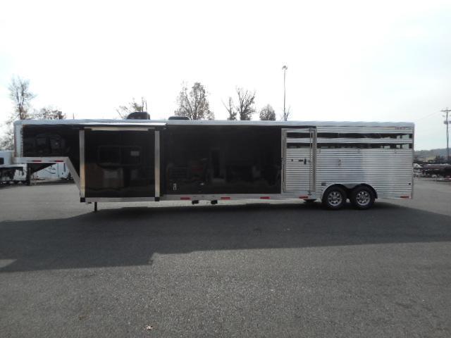 2018 Merhow 8011 Stock Combo Horse Trailer