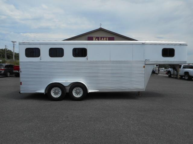 2005 Exiss Trailers 3H Horse Trailer