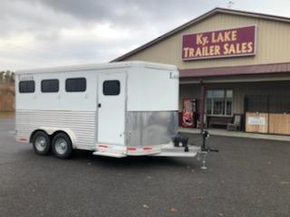 2017 Lakota Trailers 3H BP Slant Horse Trailer