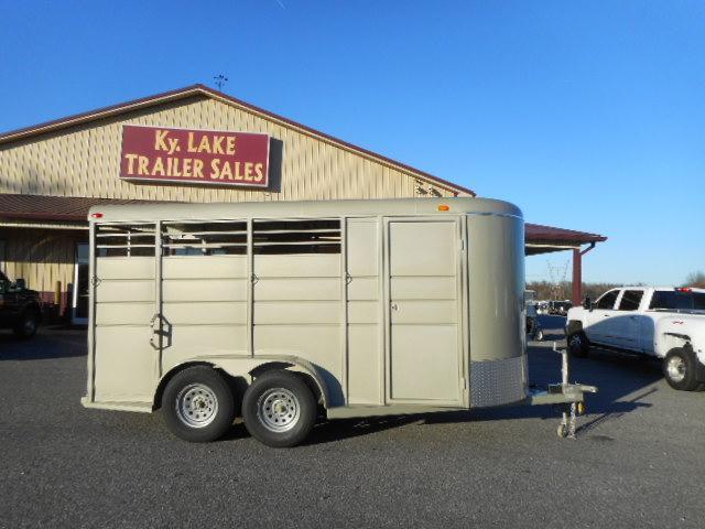 2019 Calico 16' 3H BP Horse Trailer in Ashburn, VA