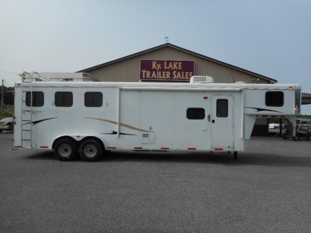 2013 Bison 7311 Horse Trailer in Ashburn, VA