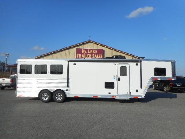 2019 Merhow Trailers 8311 RWS Horse Trailer