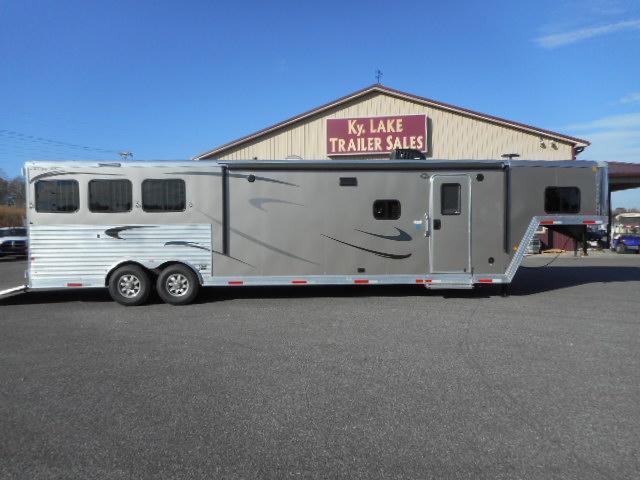 2018 Merhow Trailers 8316 RWS-A  Horse Trailer
