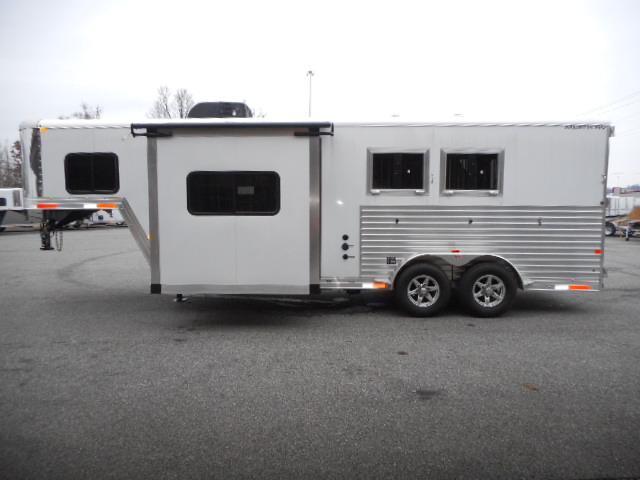 2019 Merhow Trailers 7209- RK-S Horse Trailer