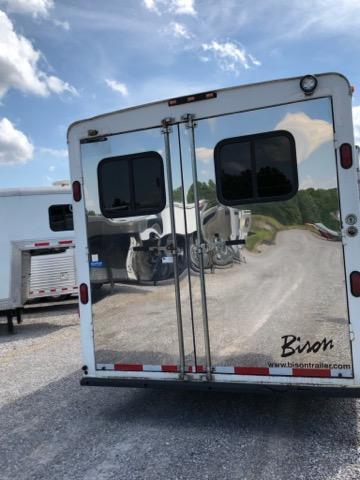 2004 Bison 8310 Horse Trailer