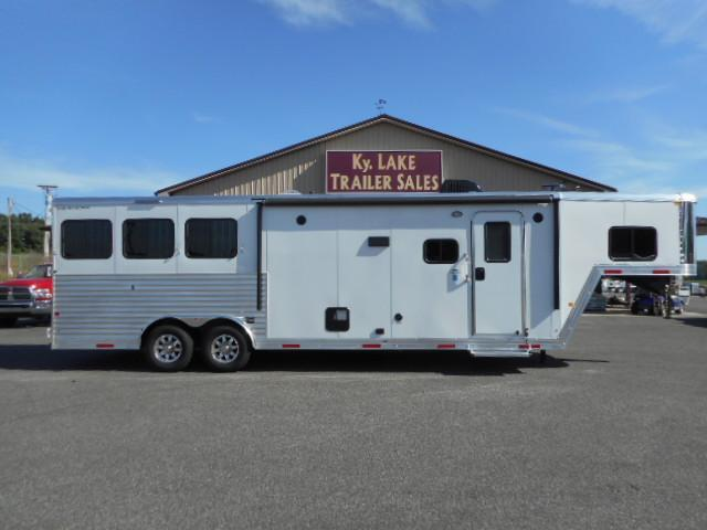 2018 Merhow 8311 RK-S Horse Trailer in Ashburn, VA