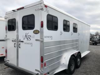 2005 Kiefer Built Genesis 3H GN Horse Trailer
