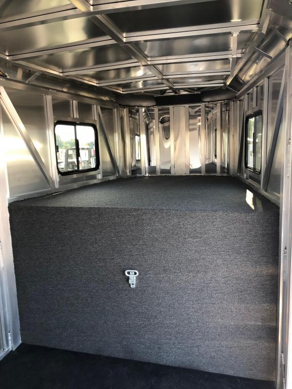 2019 Merhow Bronco 4H GN Horse Trailer