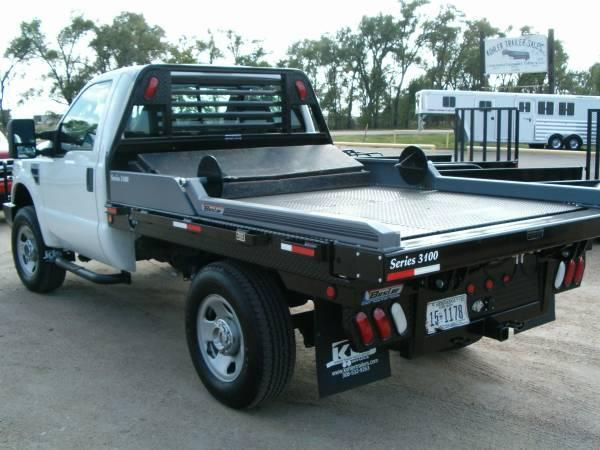 2019 Besler Industries Flatbed with Bale Mover