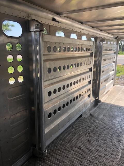 2009 Merrit Trailers LARIAT Livestock Trailer