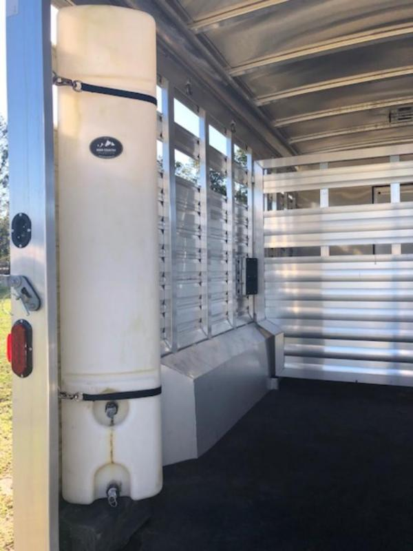 2017 Exiss Trailers 8 wide 10'lq with midtack and 14' stock Horse Trailer