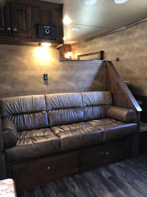 2019 Merhow Trailers 8 wide 3 horse w/16 q sofa & dinette in slide Horse Trailer