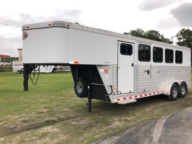 2013 Sundowner Trailers 4 horse w/dressing room Horse Trailer in Ashburn, VA