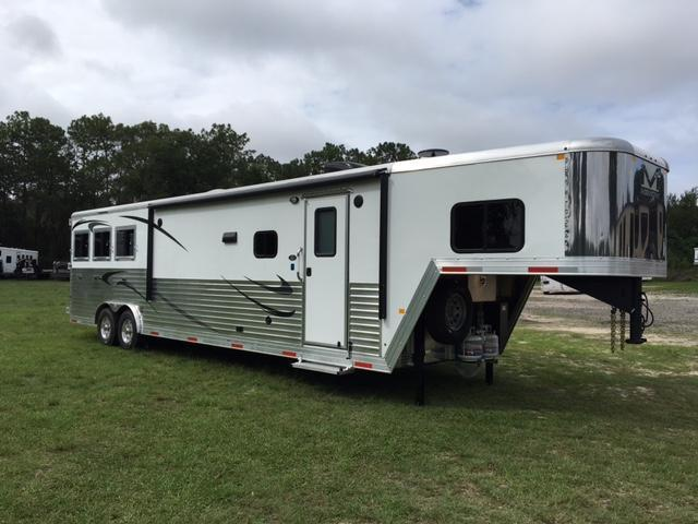 2020 Merhow Trailers 8 wide 3 horse w/16'lq slide & rear kitchen Horse Trailer