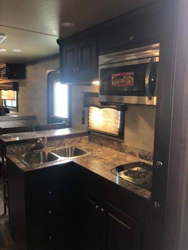 2019 Merhow Trailers 8 wide 3 horse w/16'lq slide & rear kitchen Horse Trailer