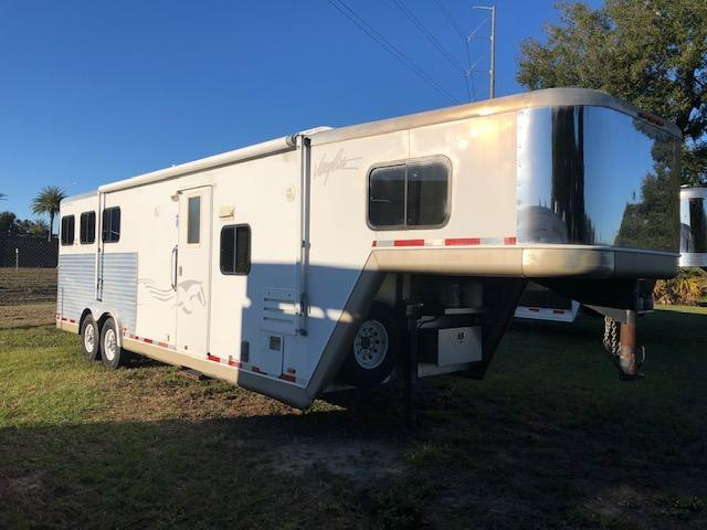 2005 Merhow Trailers 8 wide 3 horse w/12' lq and slide Horse Trailer
