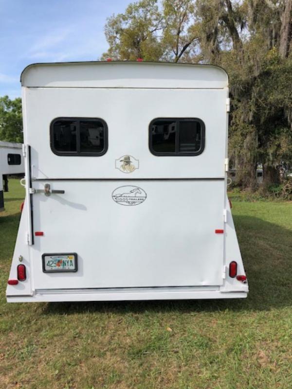 2012 Bee Trailers 3 horse gooseneck w/dr Horse Trailer