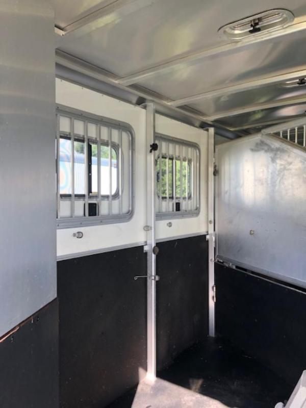 2006 Exiss Trailers 4 horse Event with dressing room Horse Trailer
