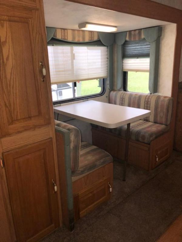 2001 Exiss Trailers Extreme 8' wide 3 horse w/ slide & bunks Horse Trailer