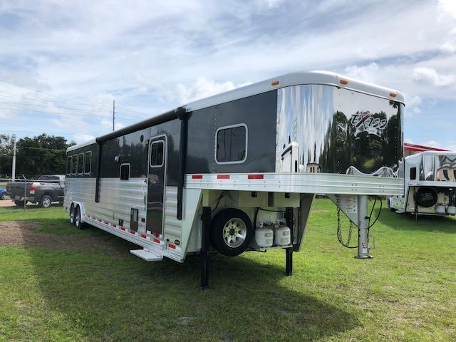 2017 Exiss Trailers 8 wide 4 horse w/16' lq slide & gener Horse Trailer