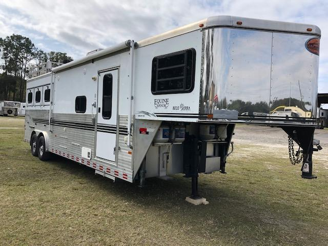 2004 Sundowner Trailers Equine Manor 8 wide 3 horse w/10' lq Horse Trailer