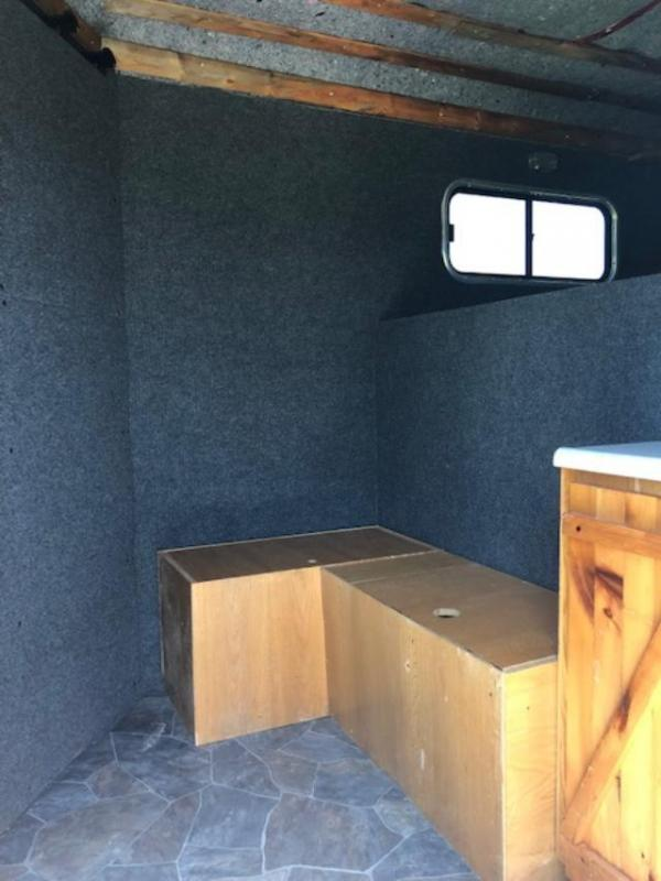 2014 Royal T Trailers 3 horse w/dressing room Horse Trailer