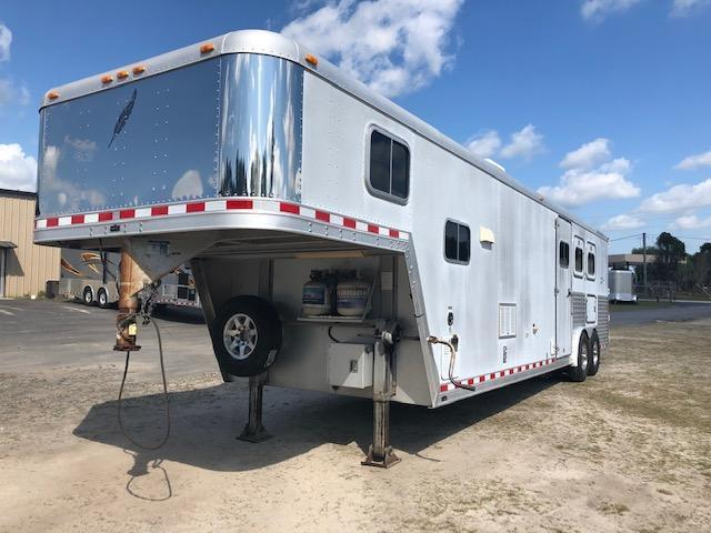 2000 Featherlite 8 wide 3 horse w/14lq
