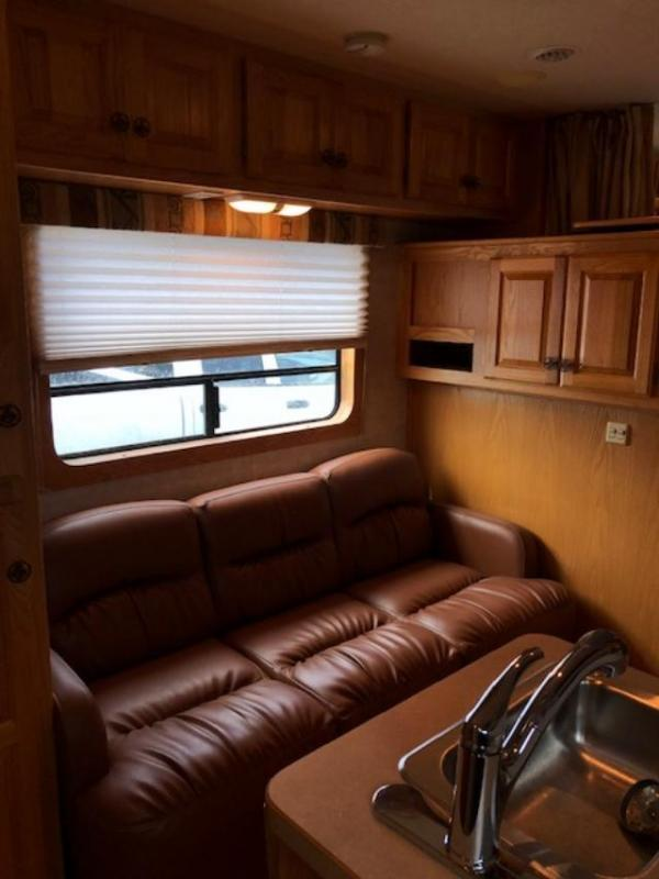 2004 Kiefer Built 8 wide 3 horse w/11 lq&midtack Horse Trailer