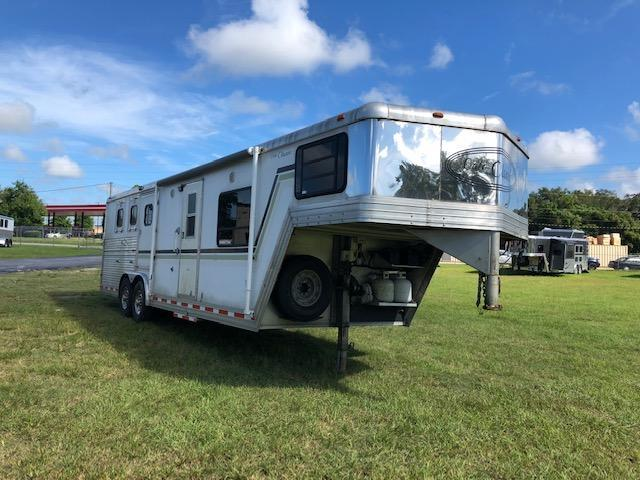 2003 Cato 3 horse straight load w/midtack 12' lq Horse Trailer