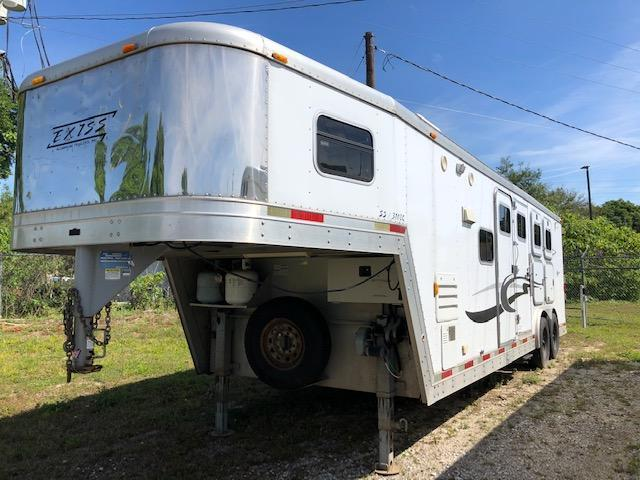 2003 Exiss Trailers 8 wide 3 horse w/10 lq Horse Trailer