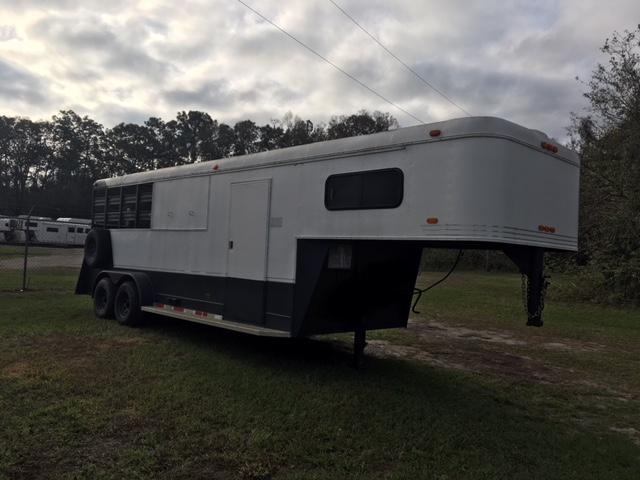 1992 Other Crescent 2 horse stock w/daytime package Horse Trailer