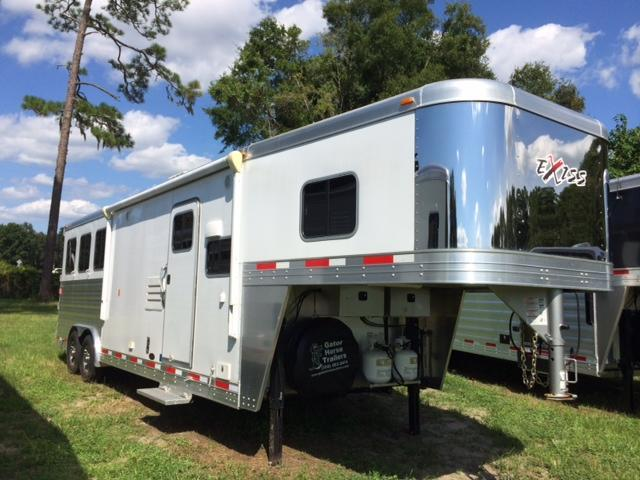 2015 Exiss Trailers 8 wide 3 horse w/10 lq and slide in AR Horse Trailer
