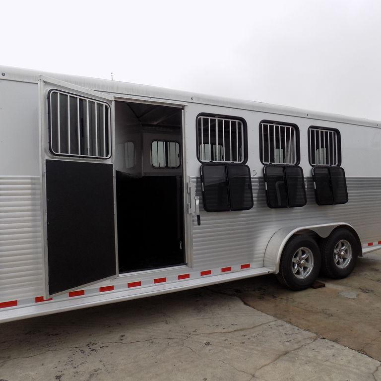 New Sundowner Super Sport Gooseneck 4 Horse Slant Load Trailer