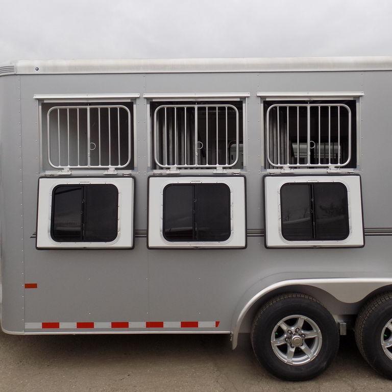 New Sundowner Trailers Sportman Bumper Pull 3 Horse