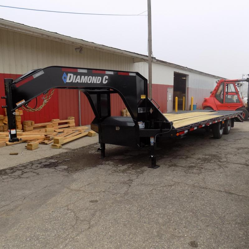 "New Diamond C Trailers 102"" x 25"" Gooseneck Trailer with MAX Ramps"