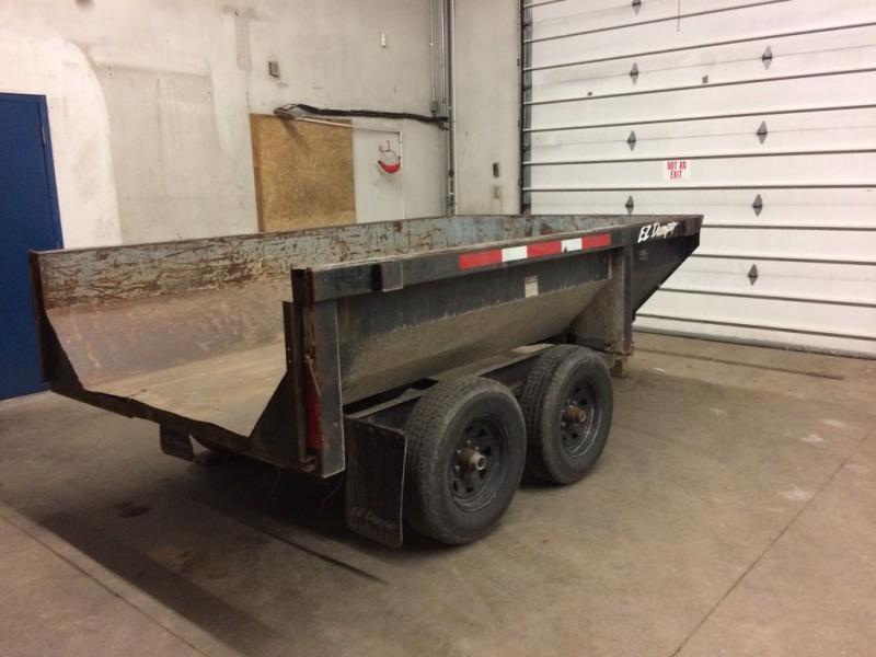 2000 EZ Dump ((MAKE OFFER)) 5' x 10'