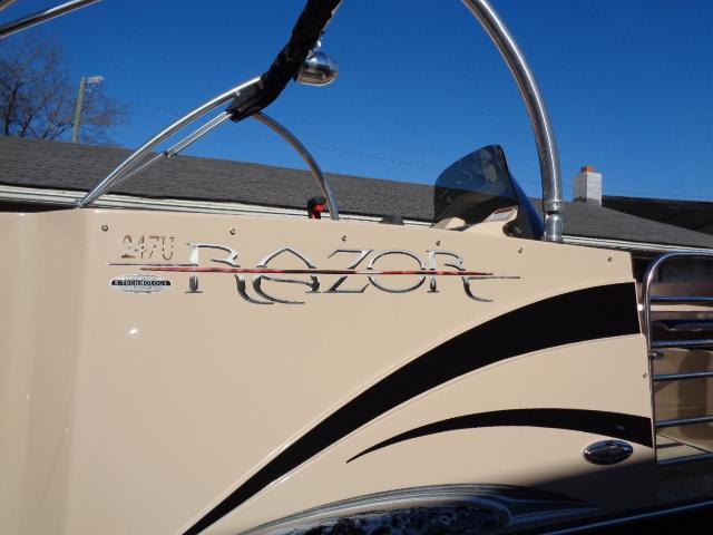 2015 Caravelle Boat Group Razor 247FSR ELITE
