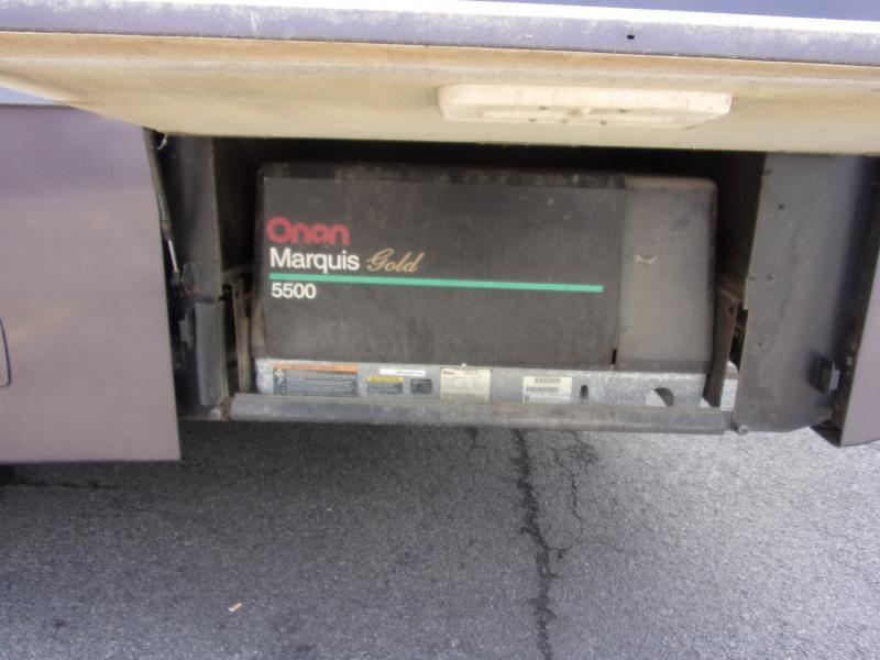 2001 Winnebago Winnebago 32VW