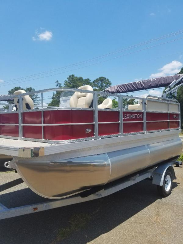 2019  Lexington 315 ANGLER