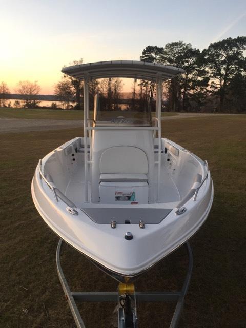 2019 Caravelle Boat Group Key Largo 210 WI