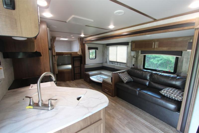 2020 Gulf Stream Coach Conquest 278DDS