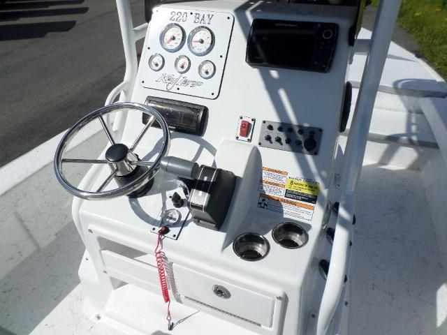 2018 Caravelle Boat Group Key Largo 220 BAY