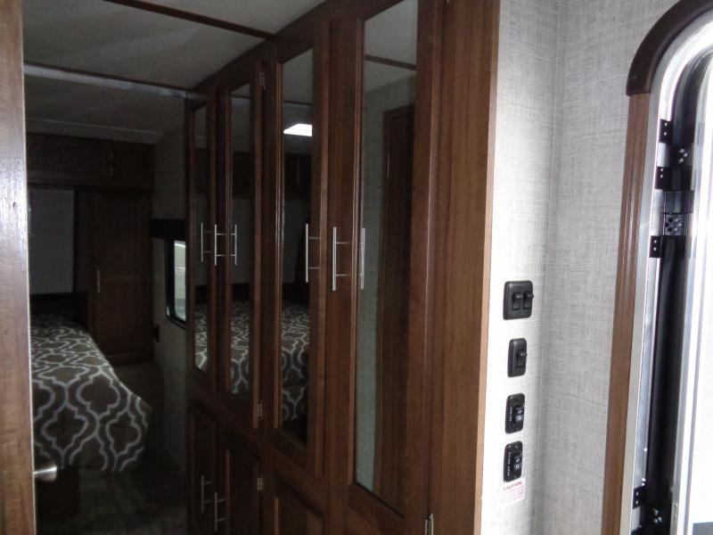 2019 Gulf Stream Coach Conquest 295SBW