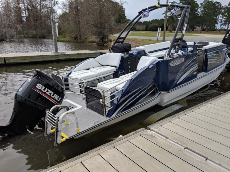 2019 Caravelle Boat Group Razor 247UR