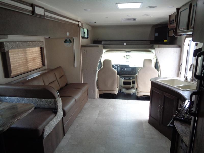 2020  Coachmen FREELANDER 28SSF45