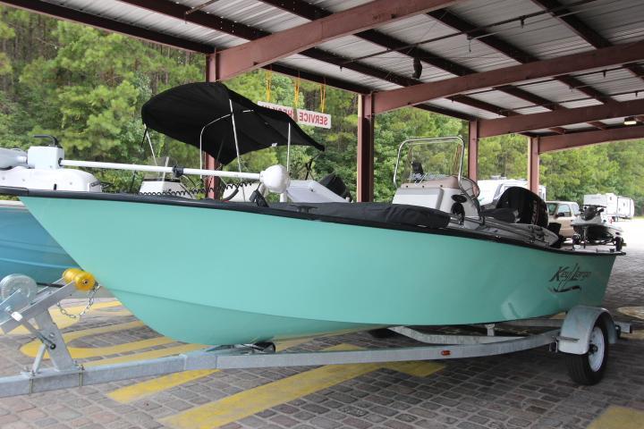 2019 Caravelle Boat Group Key Largo 181 BAY
