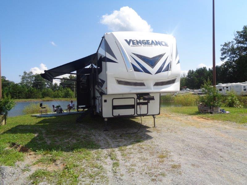2019 Forest River, Inc Vengeance 381L