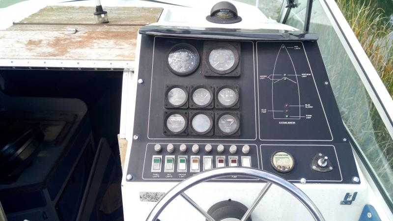 1985 Wellcraft Boats Wellcraft 230Cabin