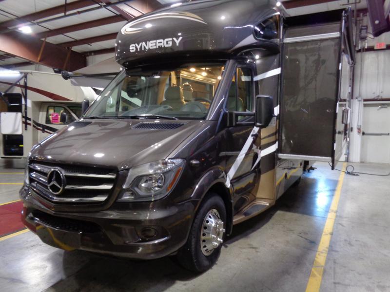 2019 Thor Motor Coach Synergy 24MB