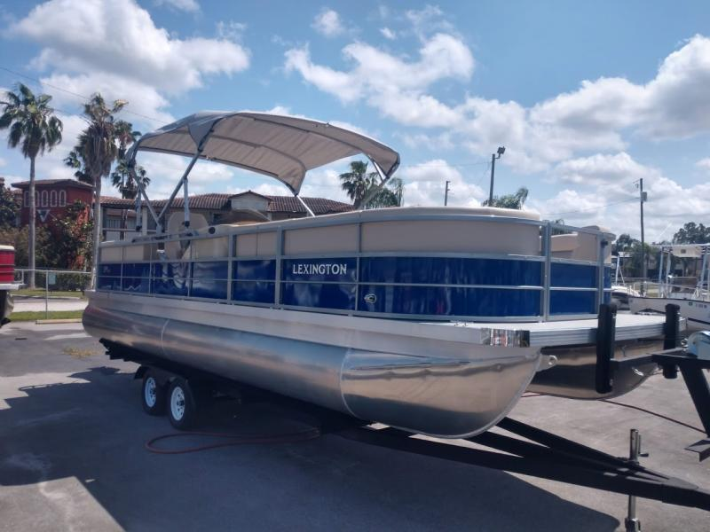 2019 Lexington Marine Group Lexington 325